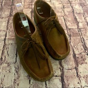 Clarks Shoes - Clark's brown leather wallabies 8.5